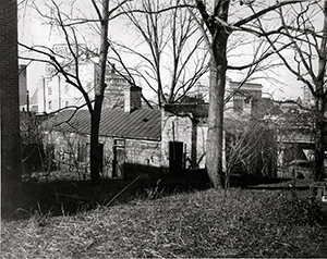 1938 photograph of Burgwin-Wright House slave quarters